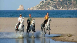 beach_riding